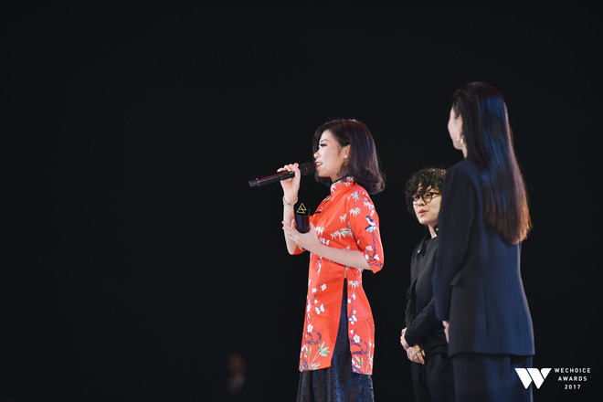 Khoảnh khắc WeChoice Awards: Đẹp nhất là khi Sơn Tùng, bé Bôm và các nghệ sĩ Việt cùng chậm lại trong dòng cảm xúc vỡ òa - ảnh 27