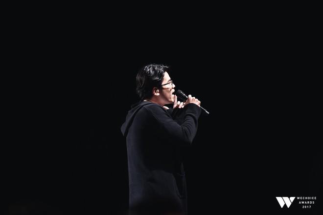 Khoảnh khắc WeChoice Awards: Đẹp nhất là khi Sơn Tùng, bé Bôm và các nghệ sĩ Việt cùng chậm lại trong dòng cảm xúc vỡ òa - ảnh 45