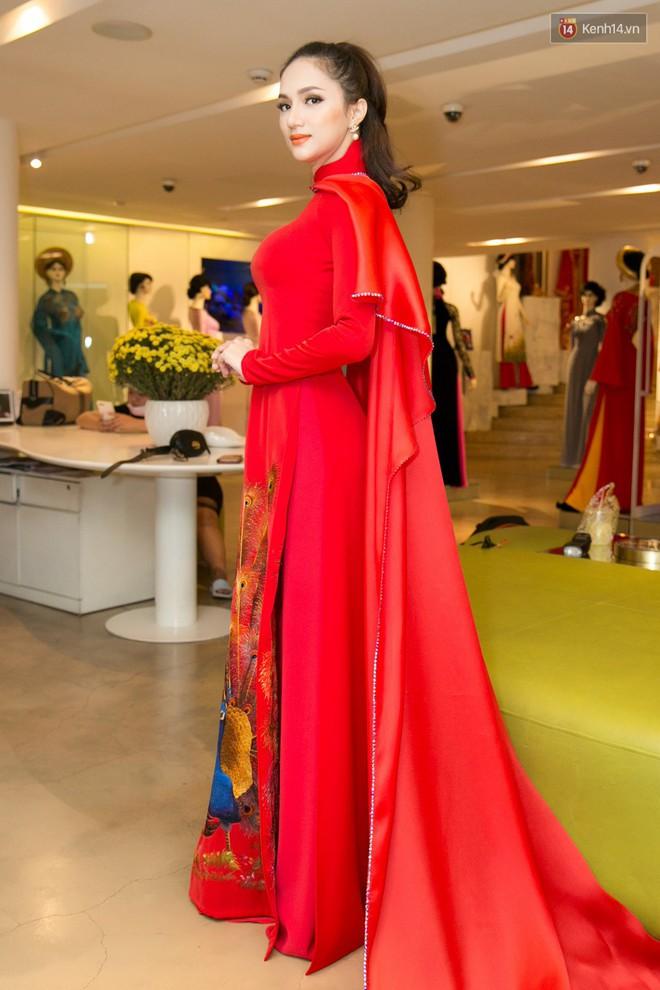 Đàm Vĩnh Hưng trực tiếp đưa Hương Giang đi thử áo dài chuẩn bị cho cuộc thi Hoa hậu Chuyển giới - Ảnh 5.