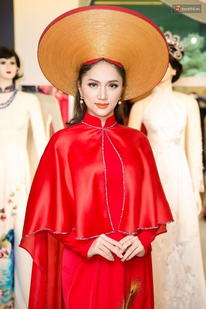 Đàm Vĩnh Hưng trực tiếp đưa Hương Giang đi thử áo dài chuẩn bị cho cuộc thi Hoa hậu Chuyển giới - Ảnh 9.
