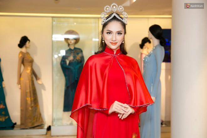 Đàm Vĩnh Hưng trực tiếp đưa Hương Giang đi thử áo dài chuẩn bị cho cuộc thi Hoa hậu Chuyển giới - Ảnh 10.