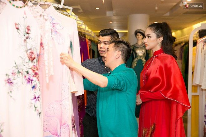 Đàm Vĩnh Hưng trực tiếp đưa Hương Giang đi thử áo dài chuẩn bị cho cuộc thi Hoa hậu Chuyển giới - Ảnh 11.