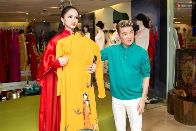Đàm Vĩnh Hưng trực tiếp đưa Hương Giang đi thử áo dài chuẩn bị cho cuộc thi Hoa hậu Chuyển giới - Ảnh 12.
