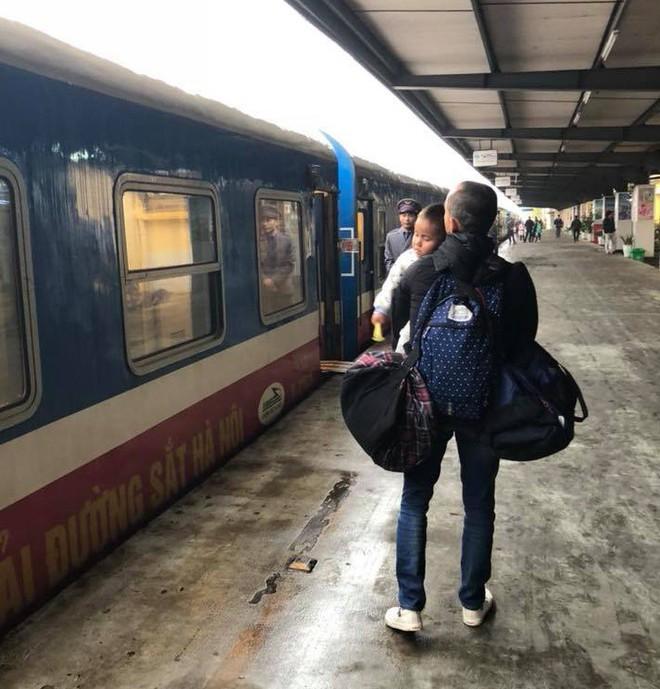 Vợ chồng ở Sài Gòn hoãn mua ô tô, vượt nghìn km đến Mường Lát nhận nuôi bé gái liệt 2 chân không manh áo giữa mùa đông - ảnh 5