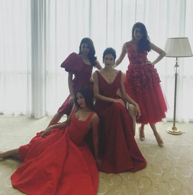 Hé lộ hậu trường chụp bộ ảnh đầu tiên của Top 3 Hoa hậu Hoàn vũ Việt Nam 2017 sau khi đăng quang! - Ảnh 2.