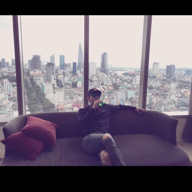 Rộ lên ảnh Bi Rain có mặt tại TP. Hồ Chí Minh vào hôm nay, nhưng liệu bà xã Kim Tae Hee có đi cùng? - Ảnh 2.