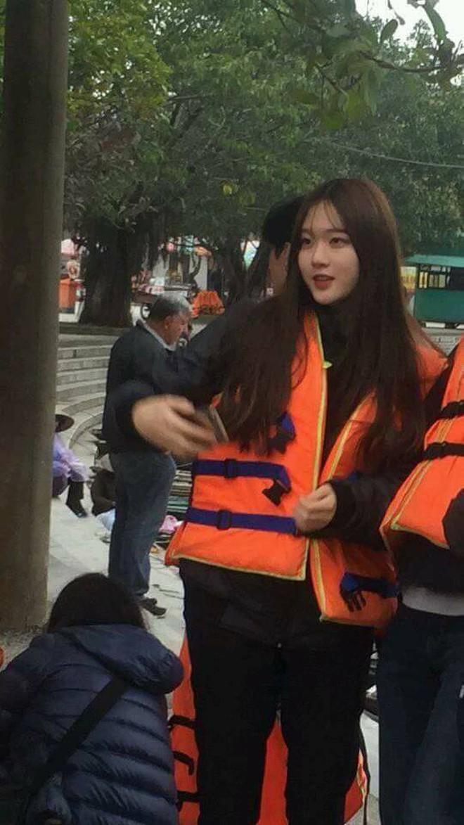 Phải xin gấp info cô gái xinh vừa bị chụp lén tại bến thuyền Tam Cốc, Ninh Bình - ảnh 2