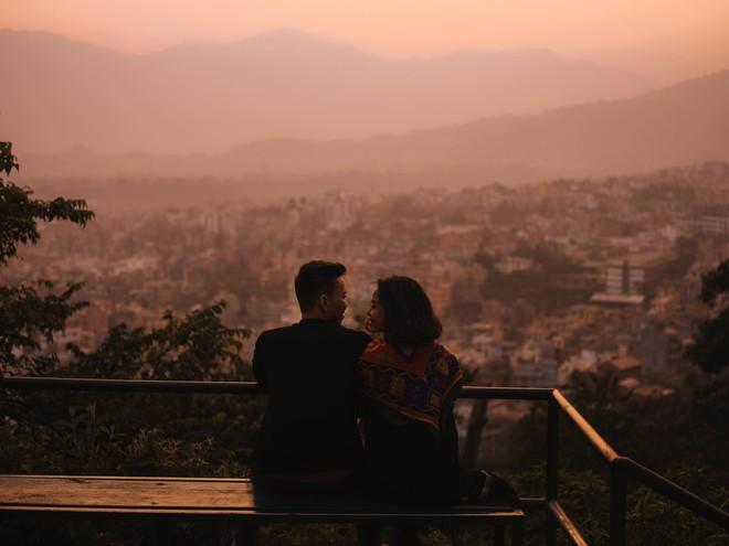 Bộ ảnh cưới không bình thường chút nào ở Nepal của cựu CEO Uber Việt Nam - ảnh 7