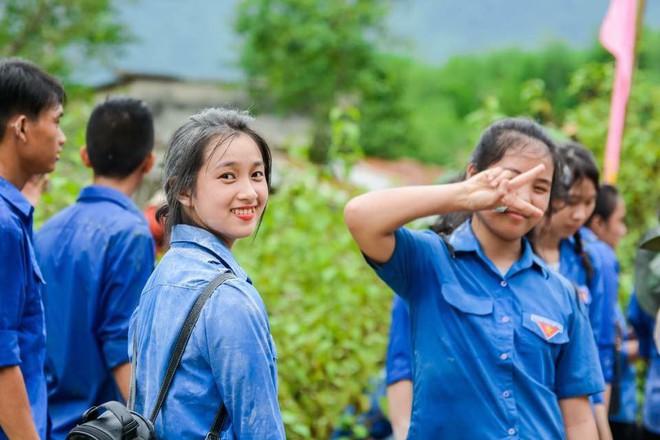 Nữ công an viên Đà Nẵng bất ngờ nổi tiếng vì xinh như hot girl - ảnh 5