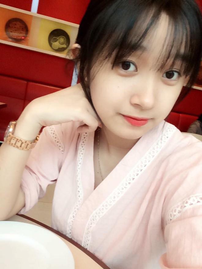Nữ công an viên Đà Nẵng bất ngờ nổi tiếng vì xinh như hot girl - ảnh 7
