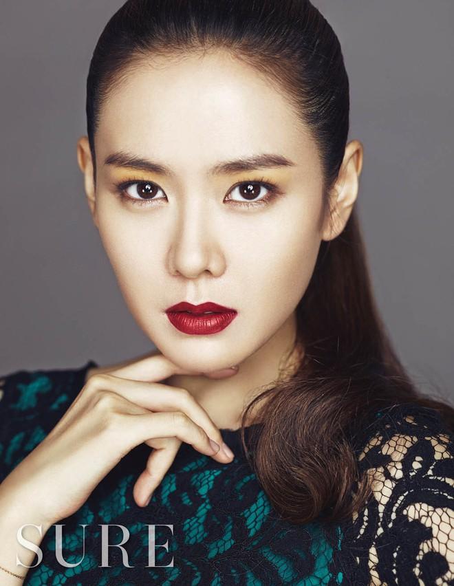 Mặc Hàn Quốc có bao người đẹp, nữ thần của mọi nữ thần Son Ye Jin vẫn một mình một đế chế sắc đẹp 15 năm - Ảnh 14.