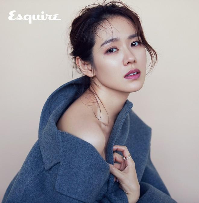 Mặc Hàn Quốc có bao người đẹp, nữ thần của mọi nữ thần Son Ye Jin vẫn một mình một đế chế sắc đẹp 15 năm - Ảnh 15.