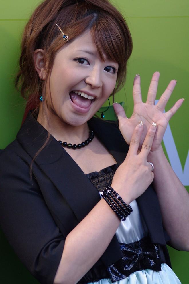 5 năm sau khi bị chồng bắt quả tang ngoại tình, người đẹp Nhật Bản chuẩn bị kết hôn với nhân tình - Ảnh 6.