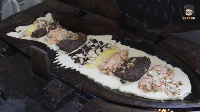 Ấn tượng với chiếc bánh cá khổng lồ ở Hàn Quốc không chỉ kích thước ngoại cỡ mà phần nhân cũng đầy ụ - Ảnh 4.
