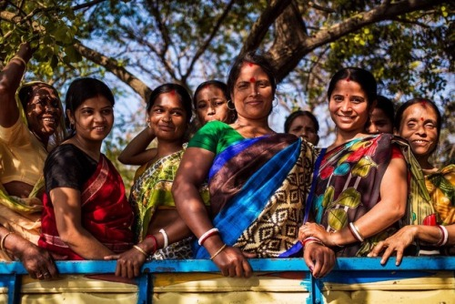 Bỏ 5 năm đi vòng quanh thế giới, nhiếp ảnh gia đã cho ra đời bản đồ sắc đẹp phụ nữ khiến người xem ngỡ ngàng - ảnh 15
