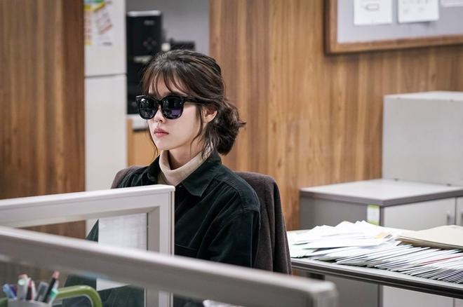 Hai phim Hàn hot nhất nửa cuối tháng Ba: Tình yêu chị em, chú cháu lại lên ngôi - Ảnh 9.