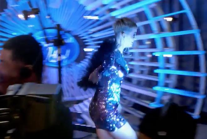 American Idol: Thả thính hot boy cho đã đời, Katy Perry vội chạy biến đi khi bạn gái thí sinh ùa vào! - Ảnh 5.