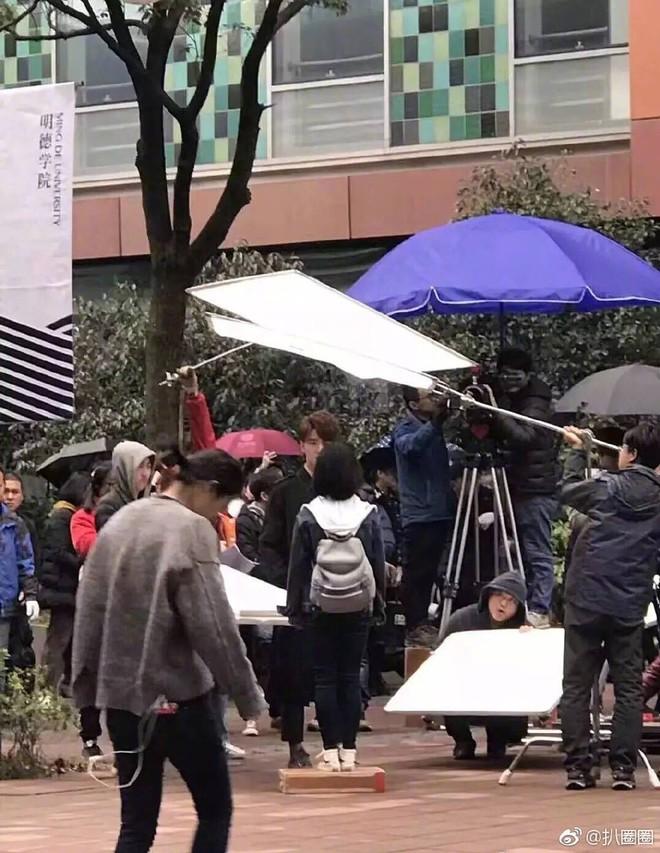 Lộ ảnh hậu trường, Vườn Sao Băng 2018 bị khán giả chê kém sang - ảnh 4