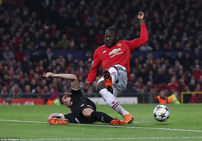 Man Utd nhạt nhòa, bị đá văng khỏi Champions League - ảnh 3