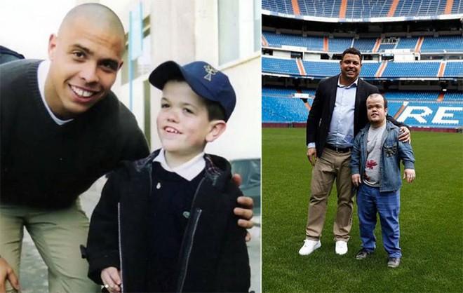 Sau 15 năm, Người ngoài hành tinh Ronaldo hội ngộ cậu bé chiến thắng thần chết năm nào - ảnh 1