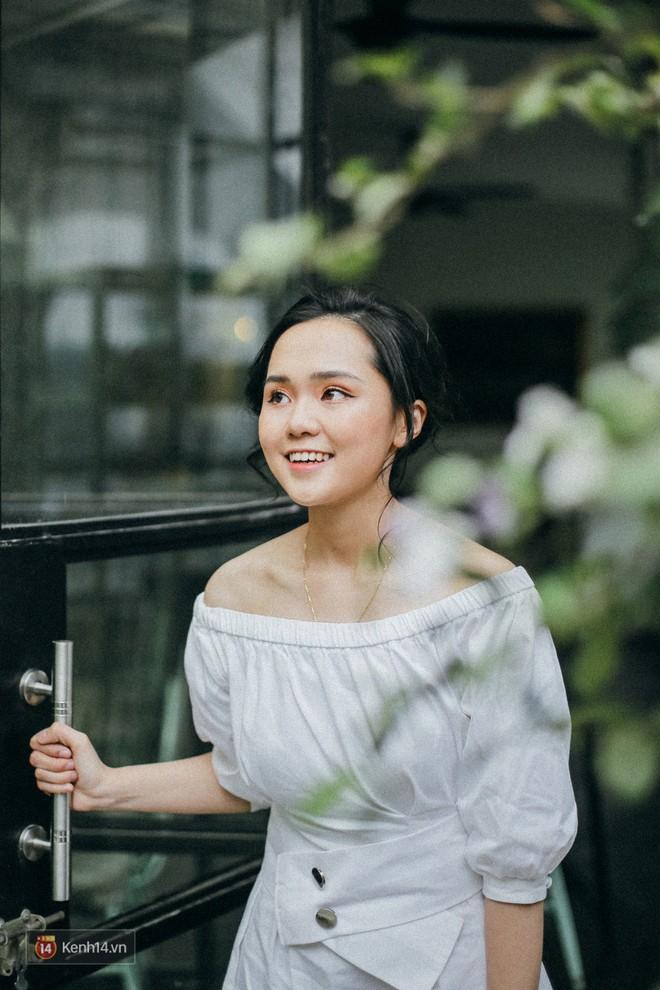 """Gặp cô bạn gái xinh xắn, """"lầy lội"""" của Duy Mạnh U23: Sáng tác cả truyện chế, ship người yêu với Đình Trọng, Tiến Dũng - ảnh 1"""