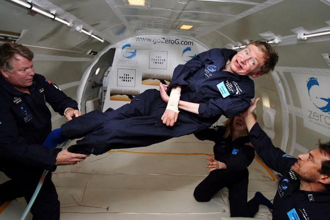 Vì sao Stephen Hawking - nhà khoa học đang khiến cả thế giới khóc thương lại được tôn vinh là thiên tài? - ảnh 5