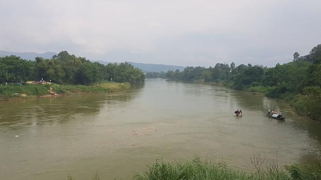 Thi thể nữ Việt kiều nhảy cầu ở Quảng Nam trôi hơn 10 km ra Đà Nẵng - Ảnh 1.