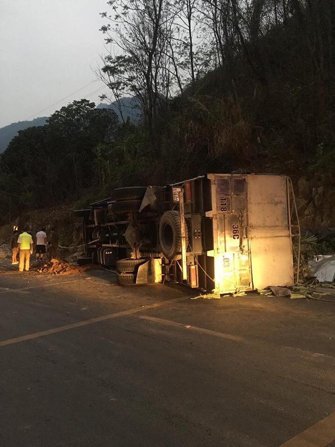 Xe ô tô vừa mua ở Hà Nội đi về đến đến Hòa Bình thì thành đống sắt vụ vì tai nạn giao thông - ảnh 4