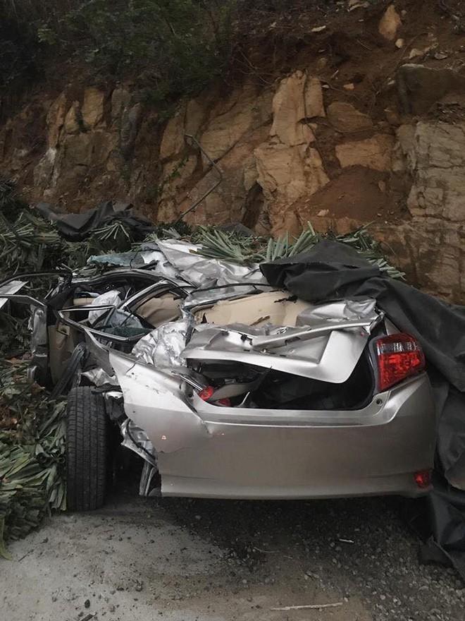 Xe ô tô vừa mua ở Hà Nội đi về đến đến Hòa Bình thì thành đống sắt vụ vì tai nạn giao thông - ảnh 5