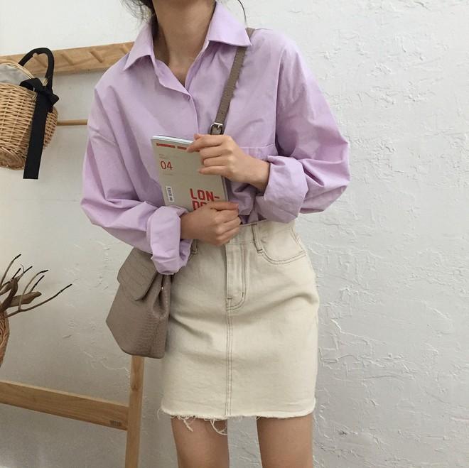 Tưởng sến mà lại xinh bất ngờ, sơ mi màu tím lavender dễ trở thành chiếc áo hot nhất mùa xuân này mà bạn nên để mắt tới - Ảnh 3.