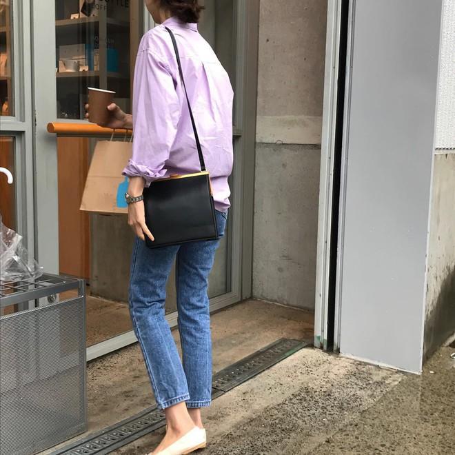 Tưởng sến mà lại xinh bất ngờ, sơ mi màu tím lavender dễ trở thành chiếc áo hot nhất mùa xuân này mà bạn nên để mắt tới - Ảnh 6.