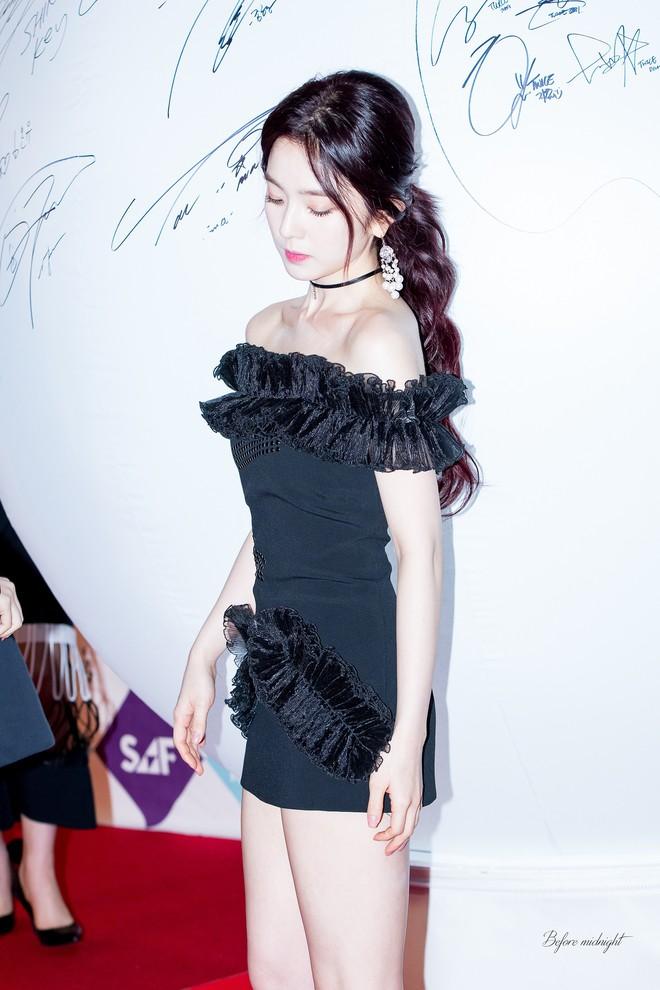 Chỉ qua vài chi tiết, fan chắc chắn rằng đây là chiếc váy không bao giờ Irene muốn mặc lại - ảnh 1