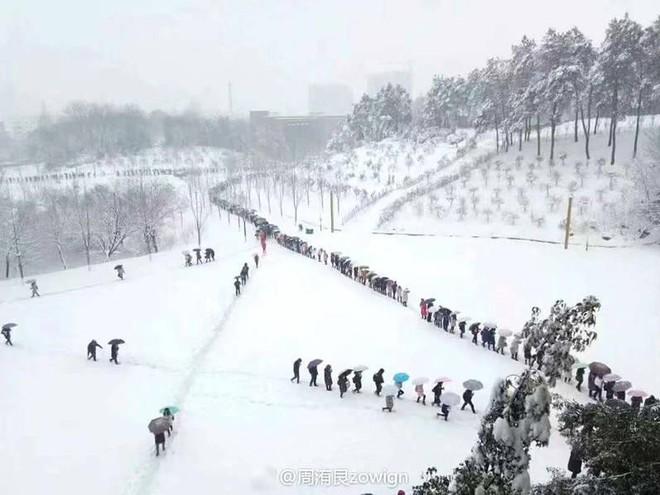 Việt Nam đón giá rét, Trung Quốc cũng gồng mình trước thời tiết lạnh kỷ lục trong lịch sử nước này - Ảnh 7.