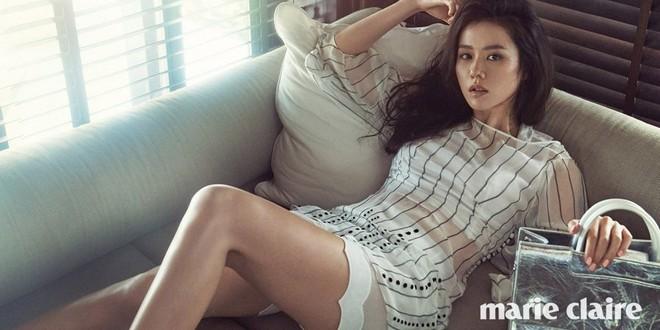 2 quốc bảo nhan sắc Hàn Quốc Song Hye Kyo và Son Ye Jin: Đều đẹp, siêu giàu, nhưng tình duyên lại quá khác biệt - Ảnh 22.