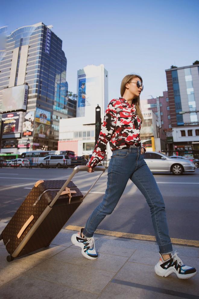 Vừa dứt kỳ nghỉ ở Mỹ, Quỳnh Anh Shyn đã bay thẳng qua Hàn ăn tối cùng Louis Vuitton - ảnh 1