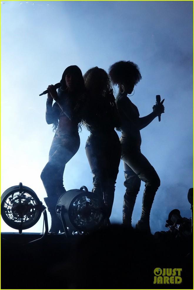 Siêu sân khấu của Beyoncé tại Coachella 2018: Destinys Child tái hợp, Jay-Z bất ngờ đổ bộ - Ảnh 5.
