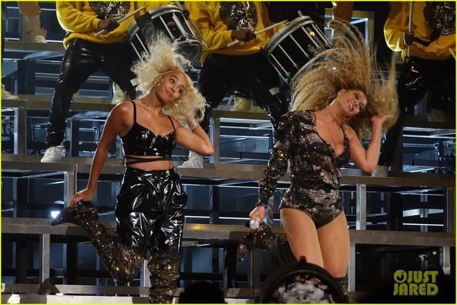 Siêu sân khấu của Beyoncé tại Coachella 2018: Destinys Child tái hợp, Jay-Z bất ngờ đổ bộ - Ảnh 14.