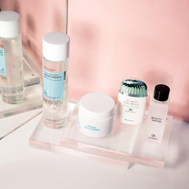 Đâu cần phức tạp hóa, chuyên gia trang điểm chỉ nhắc bạn hãy duy trì 4 thói quen đơn giản sau để giữ da khỏe đẹp - ảnh 3