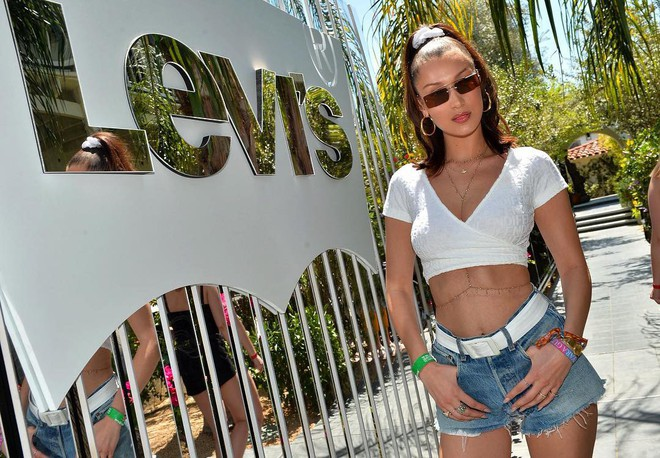 Cuộc chiến body bất phân thắng bại tại Coachella 2018: Gigi, Miley hay Kendall đều quá đẳng cấp! - Ảnh 17.