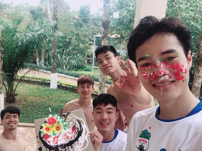 Tháng 4 này, hội fandom của U23 cực rộn ràng vì có đến 8 cầu thủ sinh nhật - Ảnh 7.