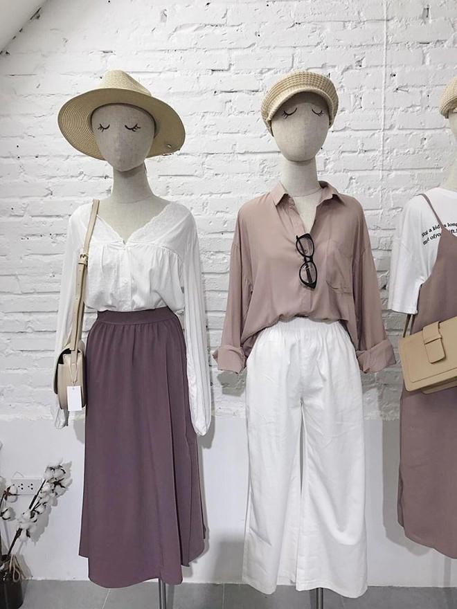 Hè này nếu mua quần culottes, bạn hãy chọn loại cạp chun bản to để sơ vin với áo gì cũng xinh - ảnh 6