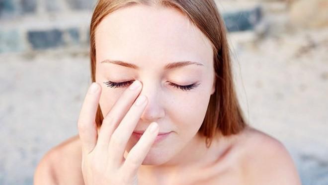 5 thói quen không ngờ lại chính là nguyên nhân gây tổn hại đôi mắt của bạn - ảnh 3