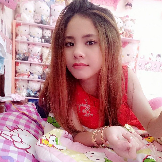 Cuộc sống toàn màu hồng theo nghĩa đen của cô nàng dành cả thanh xuân để mua đồ Hello Kitty - ảnh 4
