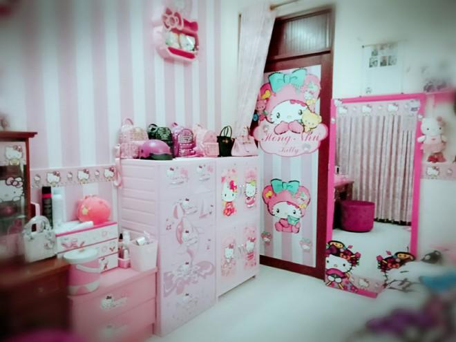 Cuộc sống toàn màu hồng theo nghĩa đen của cô nàng dành cả thanh xuân để mua đồ Hello Kitty - ảnh 2
