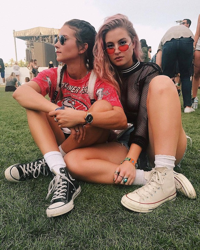 Học style của các bạn trẻ tại Coachella 2018 để lên đồ thật đỉnh cho mùa quẩy sắp tới - ảnh 21