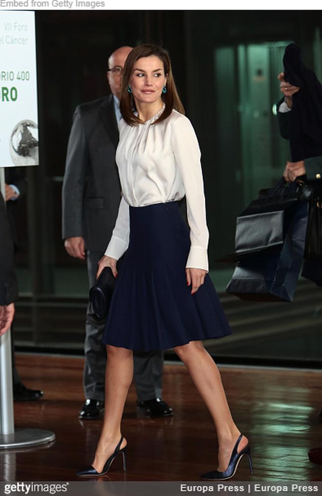 Trang phục giúp Hoàng hậu Letizia tỏa sáng không thể thiếu những món đồ đến từ thương hiệu Zara - ảnh 7