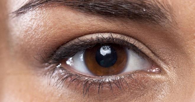 """Tiết lộ 5 sự thật về tính cách và sức khỏe qua màu mắt mà khoa học nói """"chắc như đinh đóng cột"""" - ảnh 4"""