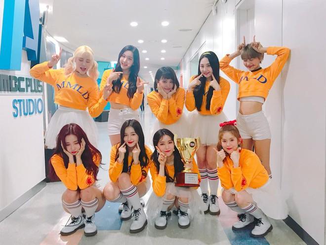 Kỉ lục MV 100 triệu view đầu tiên của Kpop 2018 chẳng thuộc nhóm nào từ Big 3 - Ảnh 1.