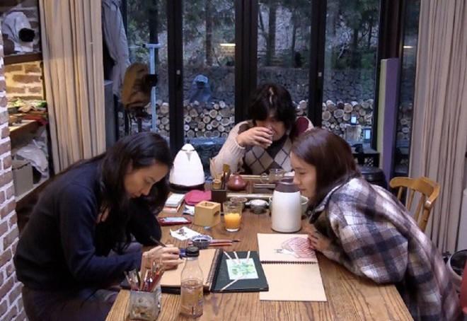 Khổ thân Yoona, đang F.A còn phải chứng kiến vợ chồng Hyori hôn nhau tình cảm! - Ảnh 3.