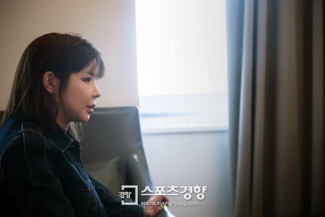 8 năm sau bê bối chất cấm, Park Bom lần đầu lên tiếng: Tôi đã không thể mua quần áo tử tế trong 5 năm qua - Ảnh 1.